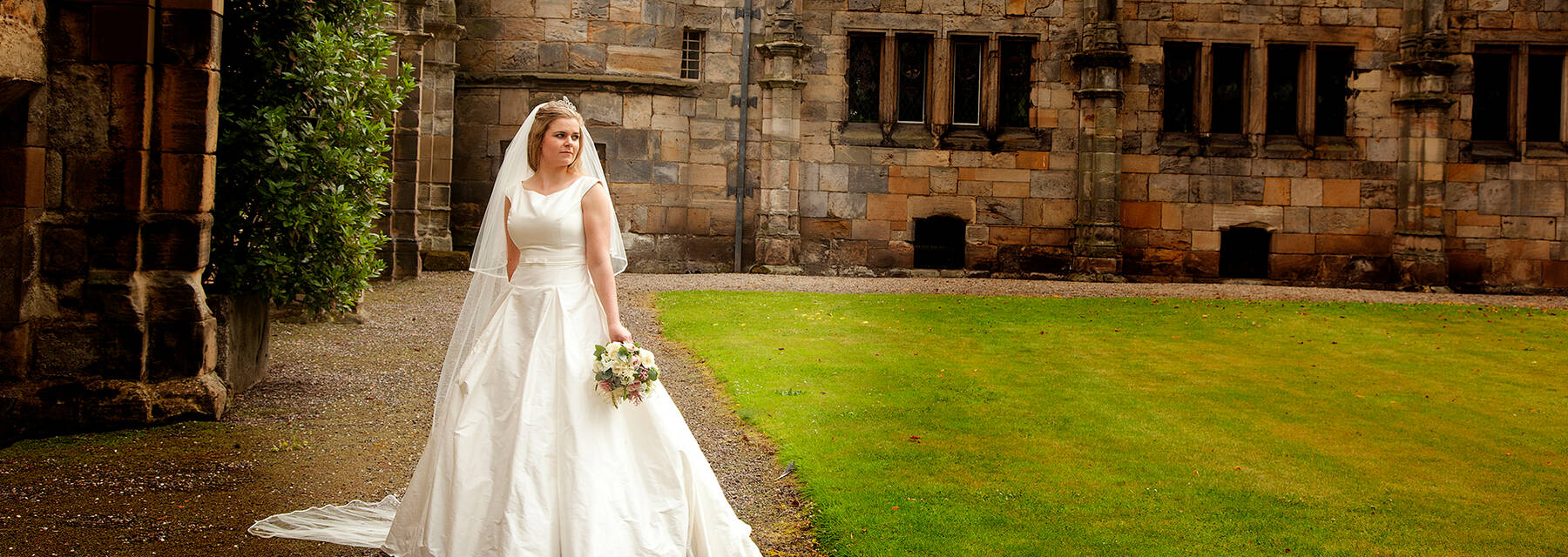 Bride standing outside Falkland Palace
