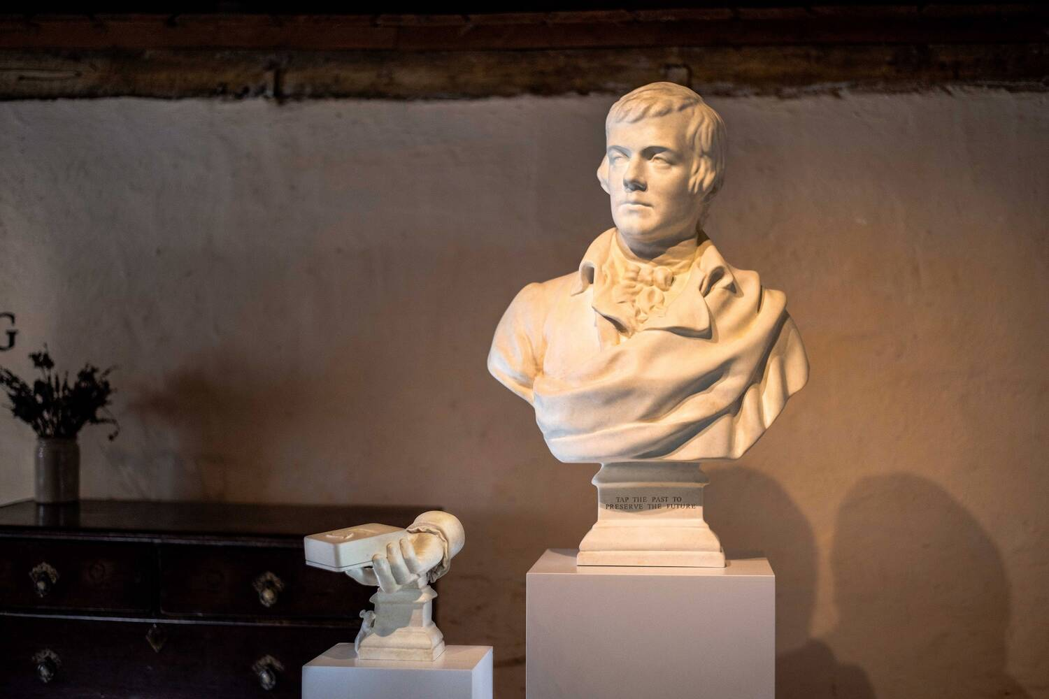 A replica bust of Burns is accepting contactless donations at the Robert Burns Birthplace Museum