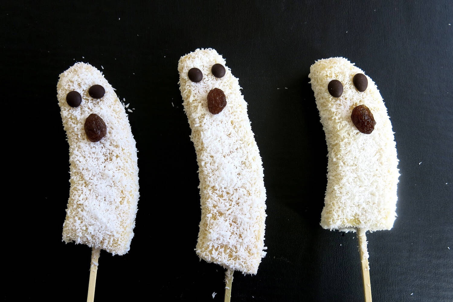 3 ghost banana lollies