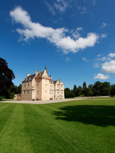 Brodie Castle in the distance on a sunny day