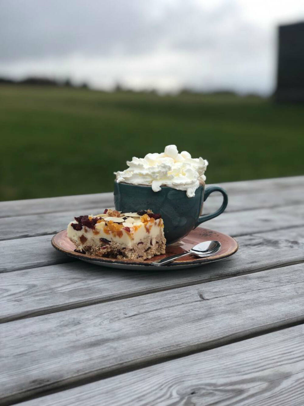 Hot chocolate and cake at Culloden café