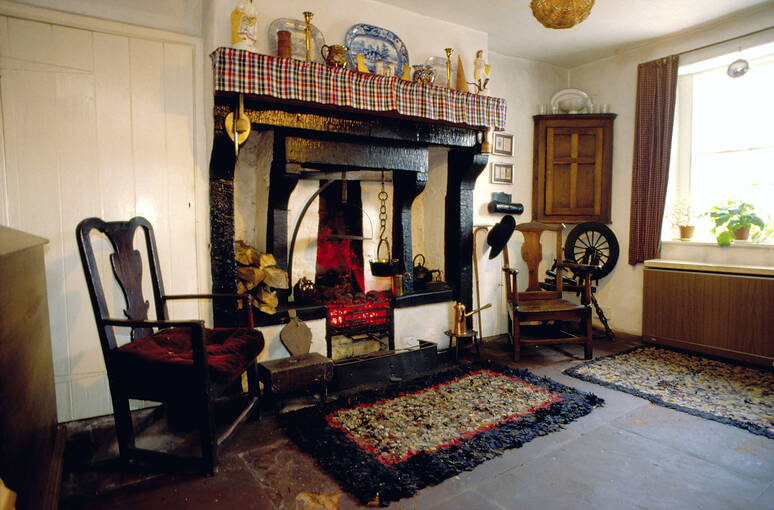 The parlour at Thomas Carlyle's Birthplace