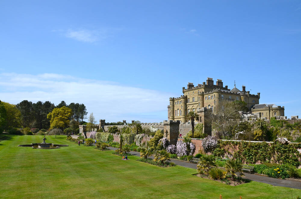 View across Culzean Castle and the front lawn