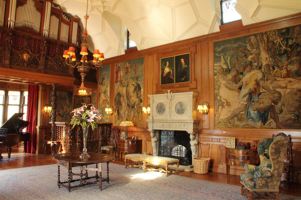 An organ, art and furniture adorn the exquisite Gallery of Fyvie Castle