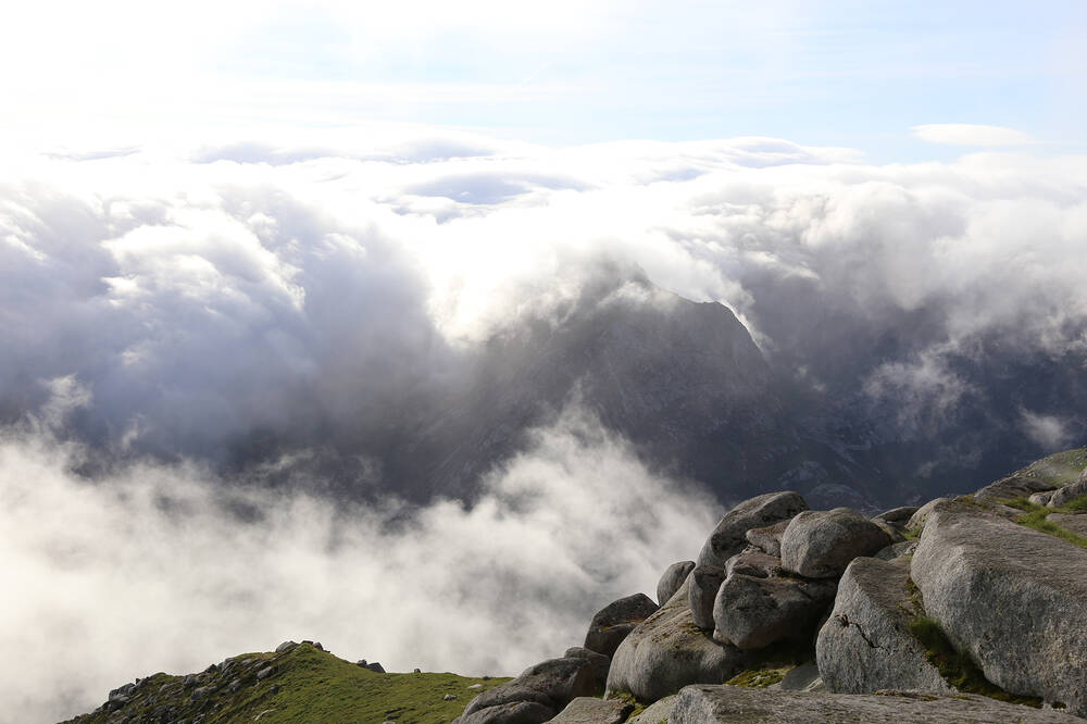 Clouds at the peak of Goat Fell
