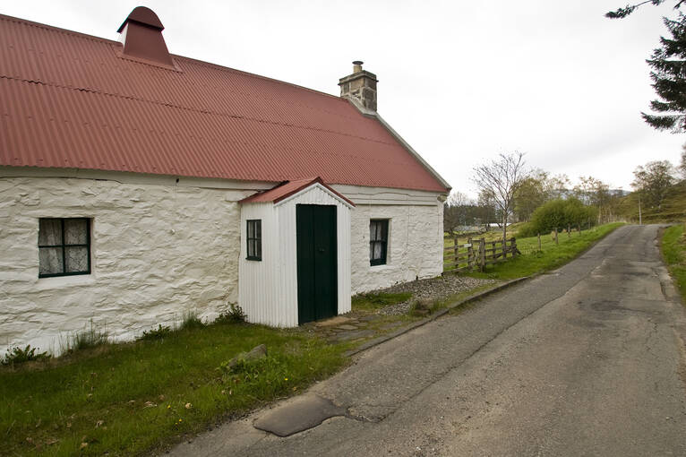 An exterior view of Moirlanich Longhouse