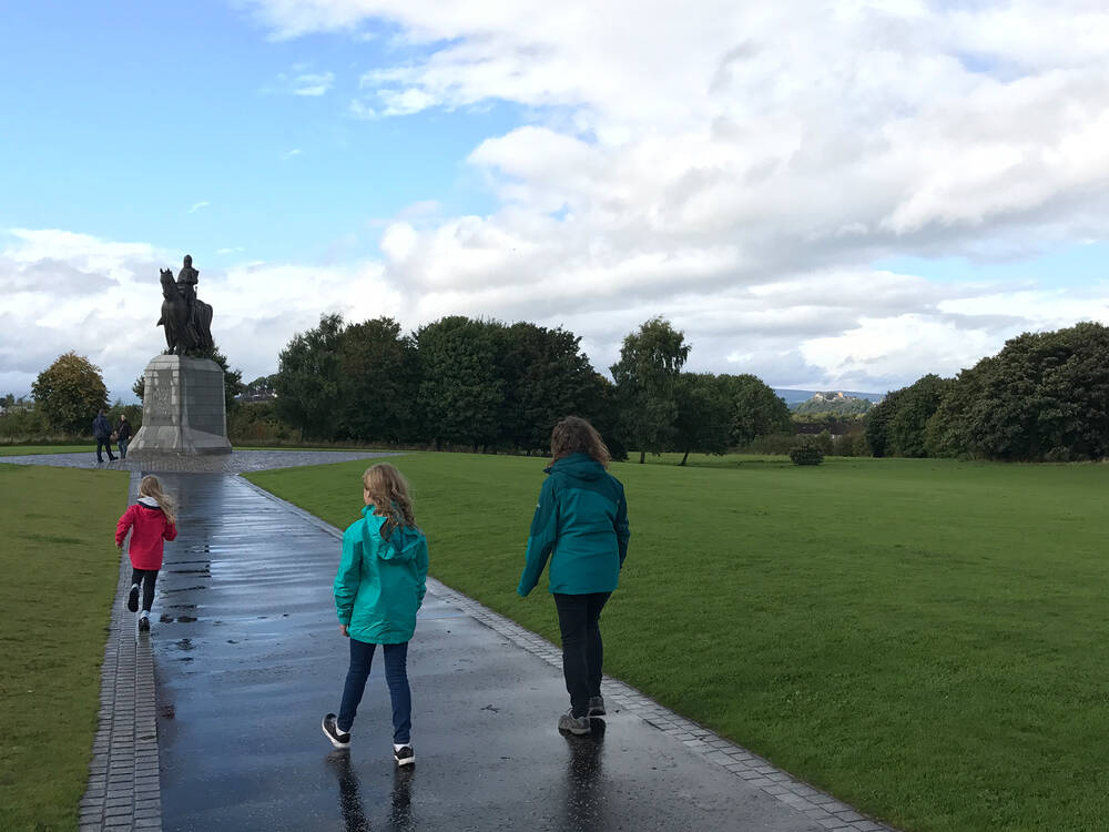 Walking through history - paying respects to Robert the Bruce