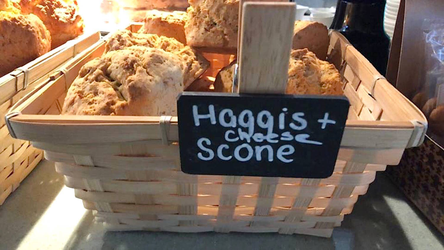 Haggis and cheese scones