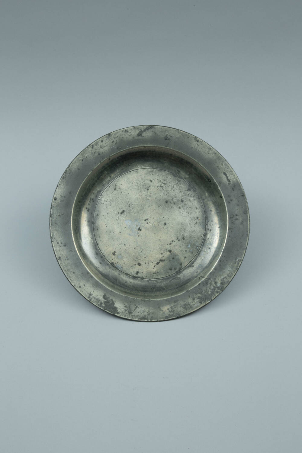 A pewter plate from Culross